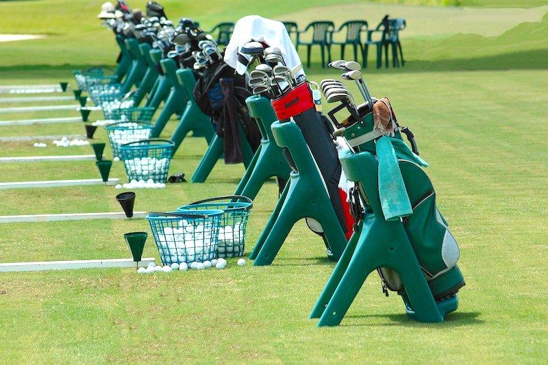 Driving Range beim Golfspielen in Cuxhaven