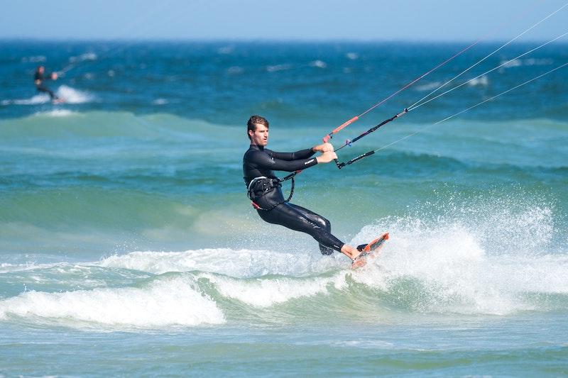 Kitesurfen als beliebter Wassersport in Cuxhaven