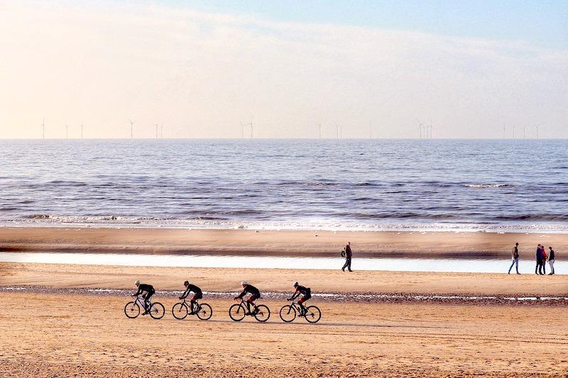 Radfahren in Cuxhaven am Strand